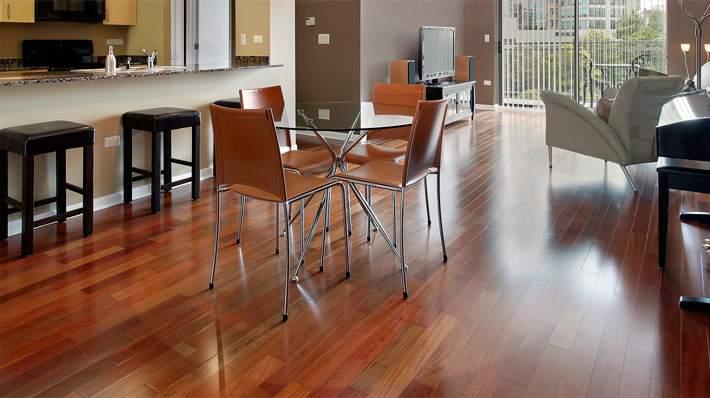 Sàn gỗ tự nhiên làm bằng gỗ căm xe